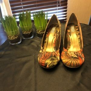 Kenneth Cole Production, Tribeca heels